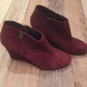 Anne Klein Trumble maroon leather suede booties 7